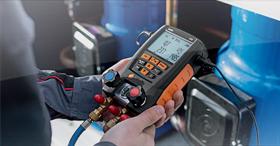 Le manomètre froid électronique pour un entretien efficace des PAC : testo 557 et 550