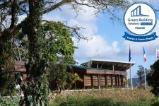Conception bioclimatique exemplaire : Siège du Parc National de Guadeloupe