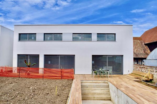 Maison quadri solaire une maison passive aux 4 usages for Maison tres basse consommation