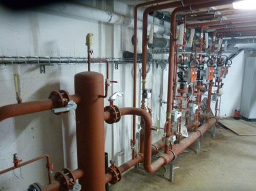 partie de la sous-station avec 3 départs radiateurs et 1 départ production ECS