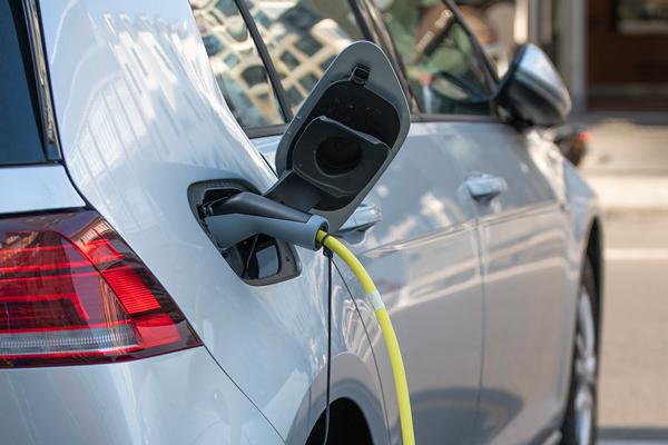 Bornes de recharge véhicule électrique