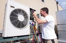 Bien manipuler les fluides fluorés des PAC et climatiseurs