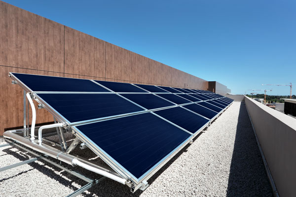 Panneaux solaires immeuble Jacques Coeur