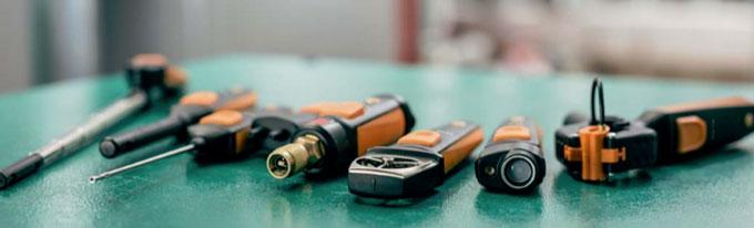 Des sondes connectées pour la température, l'humidité, la vitesse d'air et la pression.