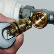 aprs dmontage de lancien thermostat 1 le mcanisme existant sans prrglage est dmont 2 le nouveau mcanisme prrglage srie av 6 est mont - Demonter Un Robinet Thermostatique