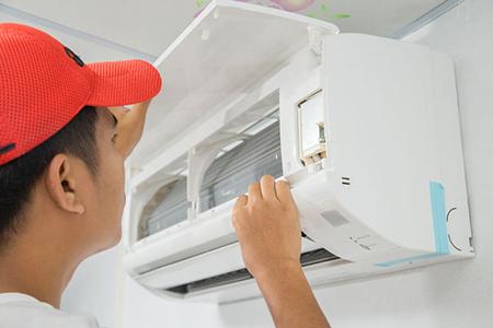 Monteur climatisation contrôle installations