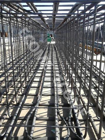 Cage équipée de tubes de captage géothermique