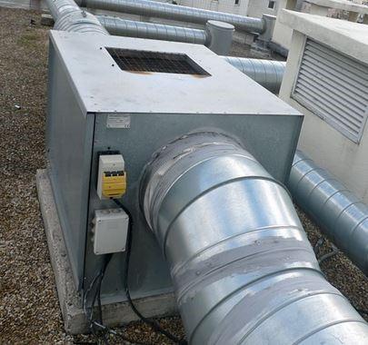 VMC dédié à la gaine de ventilation de l'ascenseur